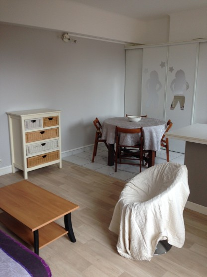t1 meubl lou au marcadieu abafim immobilier. Black Bedroom Furniture Sets. Home Design Ideas