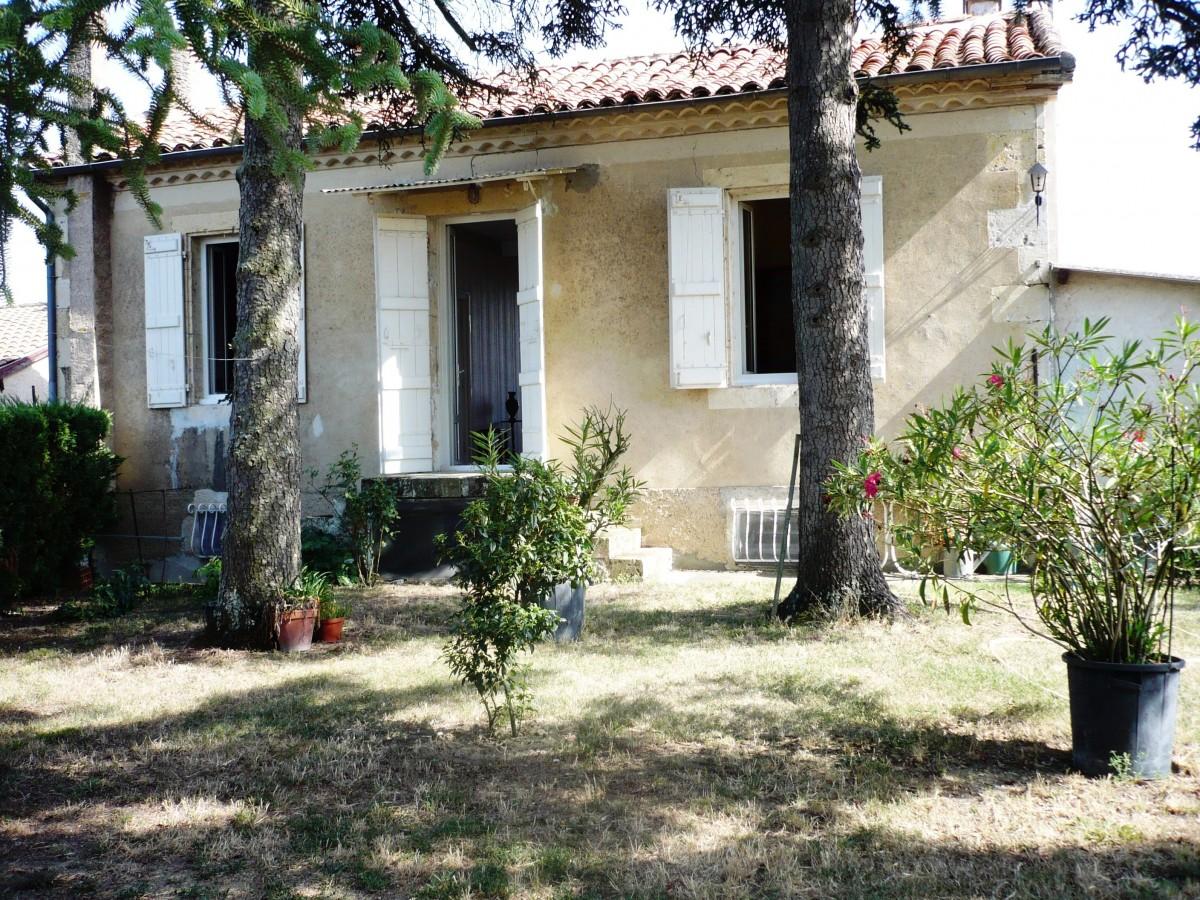 Belle maison avec jardin abafim immobilier for Immobilier avec jardin