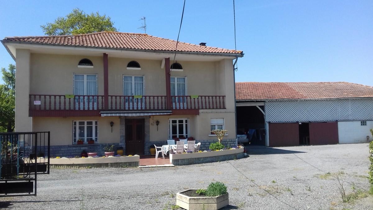 Maison familiale 6 chambres abafim immobilier for Prix maison familiale