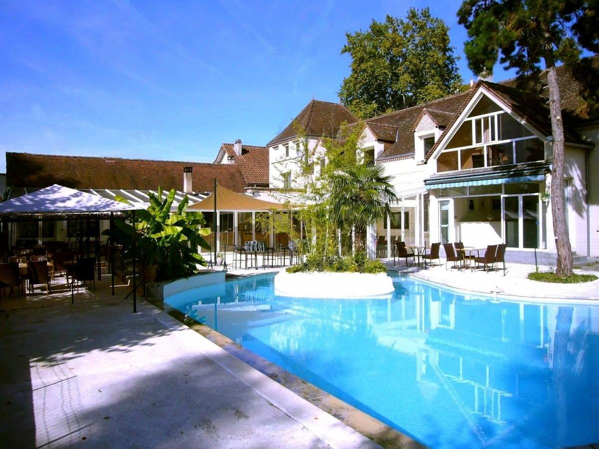 Restaurant appartements avec piscine abafim immobilier for Restaurant avec piscine marseille